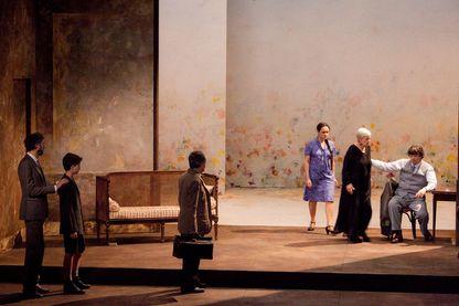 """""""Un mois à la campagne"""" de Tourgueniev, actuellement mis en scène au Théâtre Dejazet"""