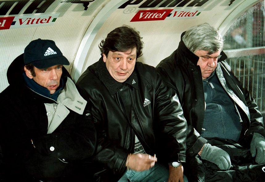 Jean-Louis Gasset avec Michel Mézy et Louis Nicollin sur le banc du MHSC en 1999.