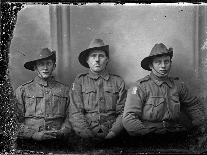 Les frères See font partie de ces centaines de soldats pris en photo à Vignacourt
