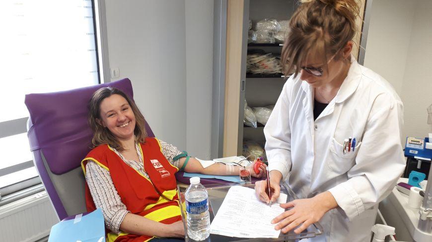 Sabrina Aubouin, informaticienne à la SNCF à Rouen, donnait son sang pour la première fois