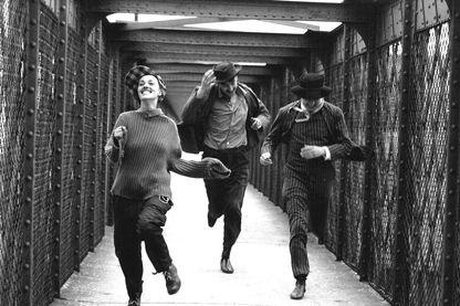 """""""Jules et Jim"""" - François Truffaut -1961. Jeanne Moreau, Henri Serre, Oskar Werner. Charenton-le-Pont. Paris"""