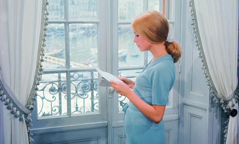 Catherine Deneuve dans le film de Jacques Demy Les parapluies de Cherbourg