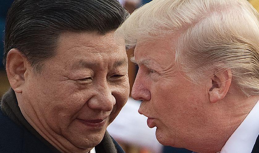 Le président chinois, Xi Jinping, et son homologue américain, Donald Trump, lors d'un sommet à Pékin (Chine)