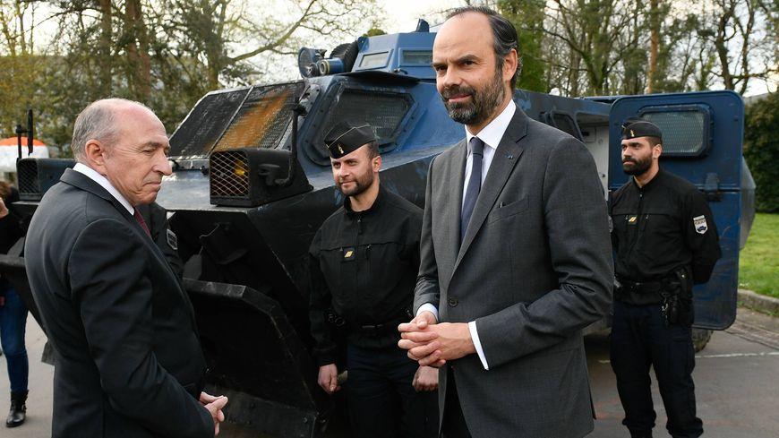 Édouard Philippe, au QG de la gendarmerie, à la rencontre des militaires chargés de l'évacuation de la Zad, le 13 avril 2018.
