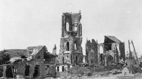 L'église de Villers-Bretonneux détruite en avril 1918