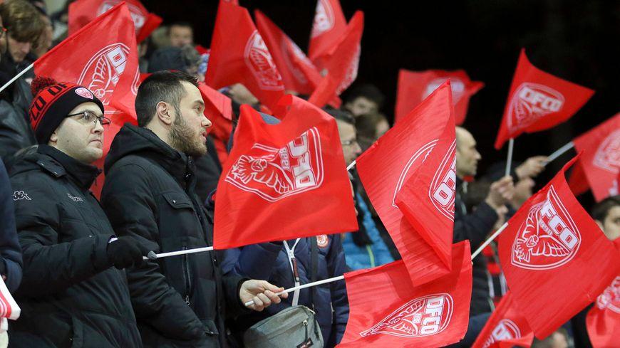 Supporters dijonnais lors de la rencontre Dijon-Nice