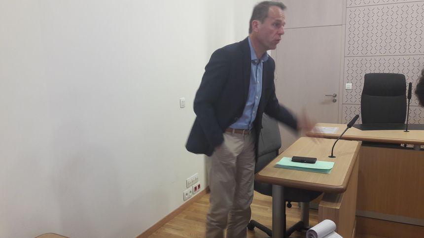 """Le procureur de la République d'Epinal Etienne Manteaux dénonce une """"gestion d'amateurs"""""""