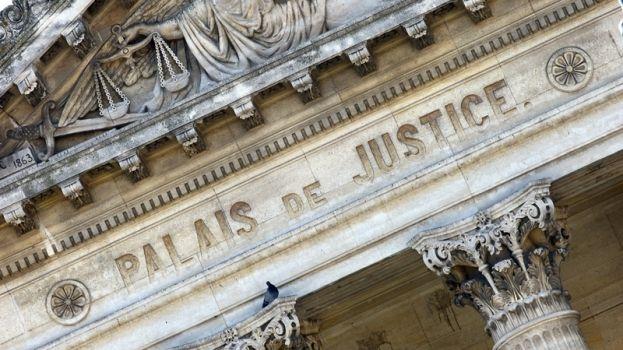 Airbnb poursuivie en justice par la mairie de Paris