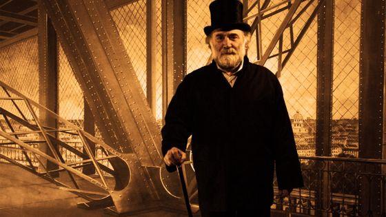 """Jean-Claude Malgoire pose à l'occasion d'un atelier photo organisé par le Théâtre du Tilleul pour le spectacle """"Les Mariés de la tour Eiffel"""" (février 2008)"""