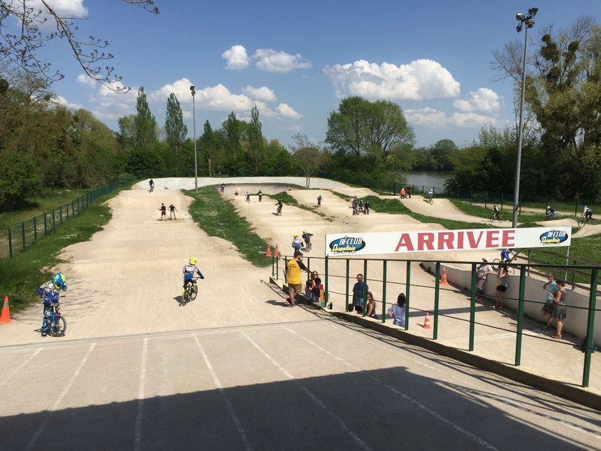 Le circuit de BMX est actuellement en pleine zone protégée, juste à côté de la Loire