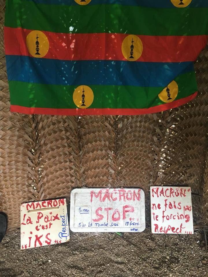 Mobilisation du Collectif Gossanah contre la venue d'Emmanuel Macron à Ouvéa, le 5 mai.