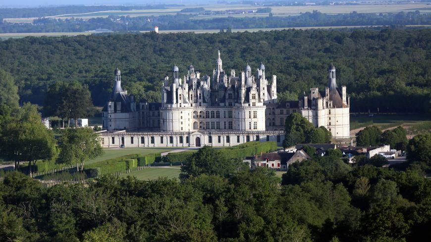 Depuis la loi de 2016, l'utilisation de l'image du château de Chambord à des fins commerciales est soumise à autorisation préalable : ce n'était pas le cas auparavant