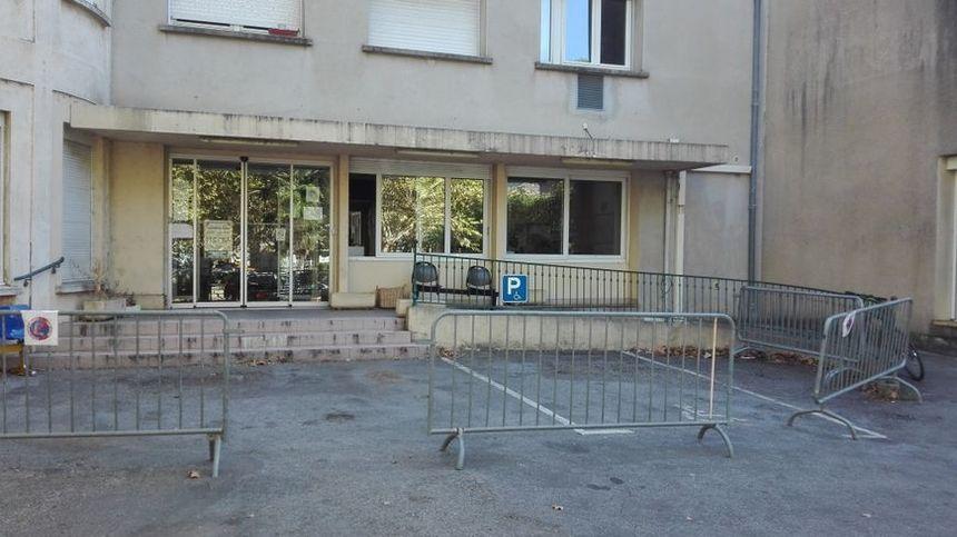 L'ancien hôpital des Vans, en Ardèche, sert de centre d'accueil et d'orientation des demandeurs d'asile depuis décembre 2016.