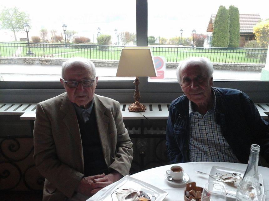 Joseph Renaud et Claude Mignon, à 50 mètres d'un lac en quelque sorte lac-te fondateur!