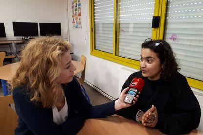 Syrine, élève au collège Jean Vilar de Grigny, a choisi avec ses camarades de travailler sur la liberté d'expression à Charlie Hebdo
