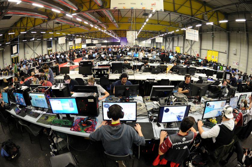 Joueurs à la Gamer Assemby à Poitiers en avril 2017