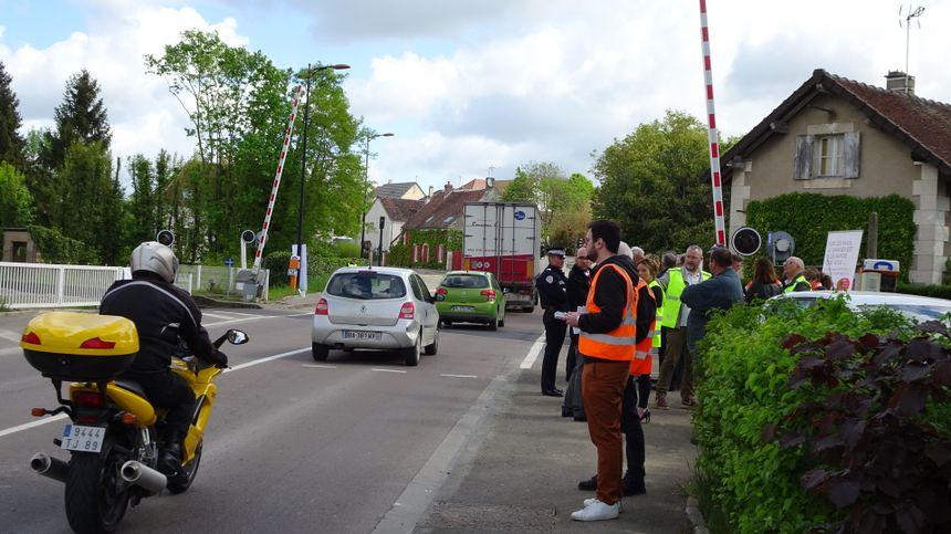 15 000 véhicules traversent le passage de Jonches chaque jour, en moyenne.
