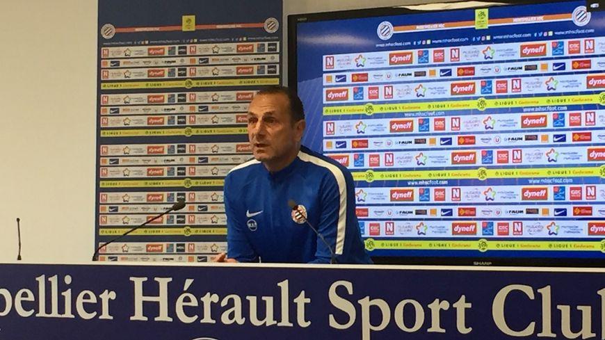 Michel Der Zakarian en conférence de presse d'avant-match