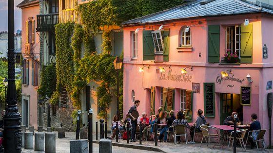 La Maison Rose, rue de l'Abreuvoir à Montmartre (Paris).