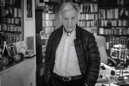Le réalisateur Costa- Gavras, qui vient de publier son autobiographie : « Va où il est impossible d'aller » (Le Seuil)