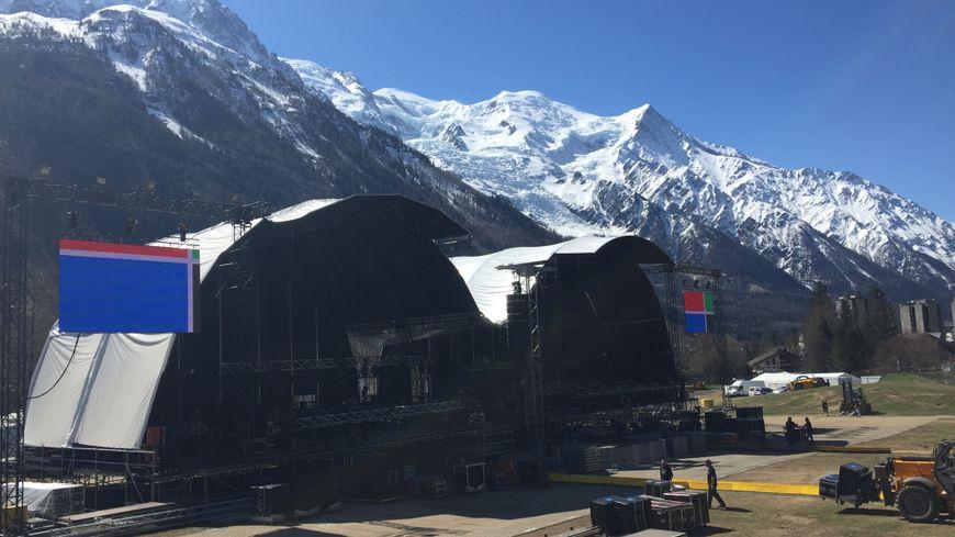 Deux scènes ont été montées sur le terrain du festival.