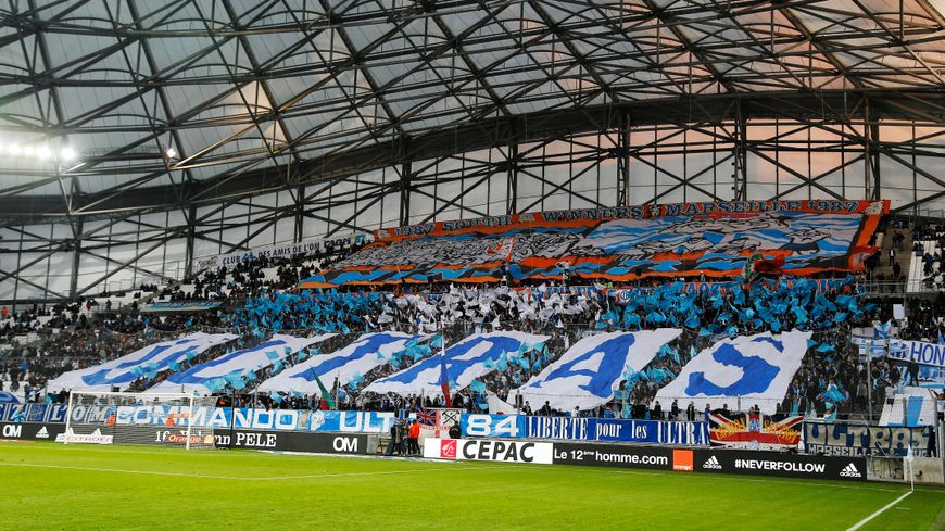 Les Ultras en virage sud au stade Vélodrome