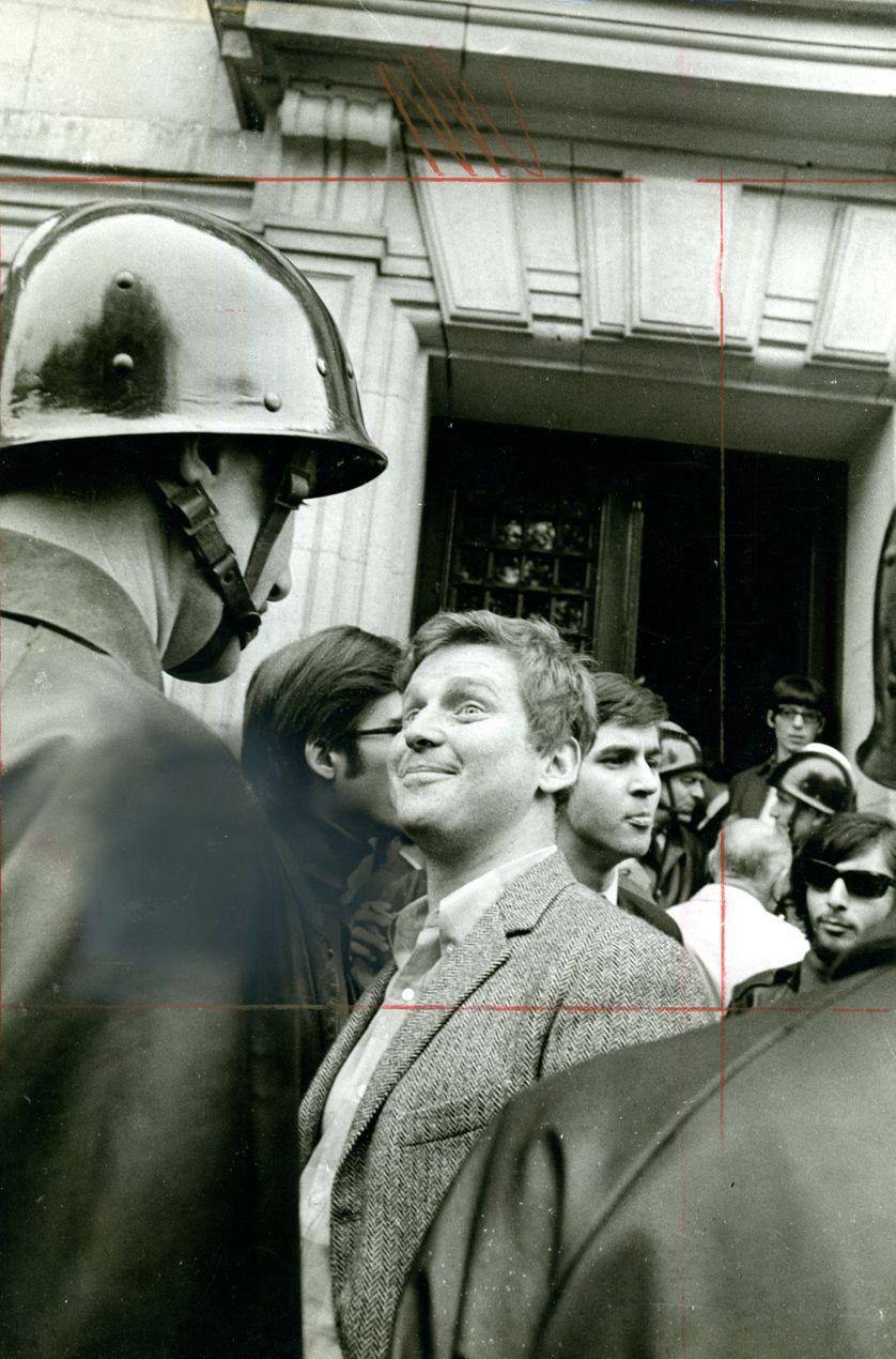 Daniel Cohn Bendit le 6 mai 1968 devant la Sorbonne