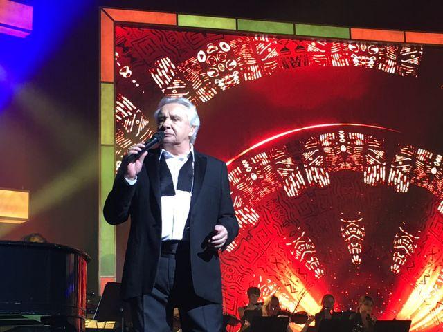 Un article placé sous l'oeil, toujours bienveillant, de Michel lui-même (ici en concert le 3 janvier dernier à la Seine Musicale).