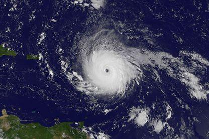 Image satellite de l'ouragan Irma captée par le satellite GOES East de la NOAA le 5 septembre 2017 à 7 h 45.