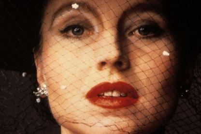 """Hanna Schygulla dans """"Le mariage de Maria Braun"""" (""""Die ehe der Maria Braun"""", 1979, réalisé par Werner Rainer Fassbinder)"""