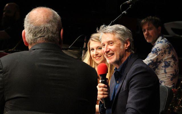 Laura Laune et Antoine de Caunes