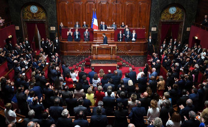 Emmanuel Macron devant le Parlement réuni en Congrès, 2017.