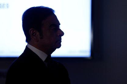 """Quelles sont les zones d'ombre de Carlos Ghosn, ce """"super-PDG"""" ?"""