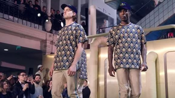 """""""Défiler"""" le clip de Stromae"""
