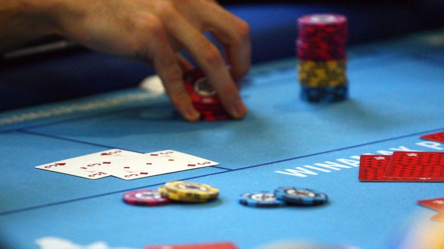 Si vous gagnez régulièrement au poker, il faut déclarer les gains