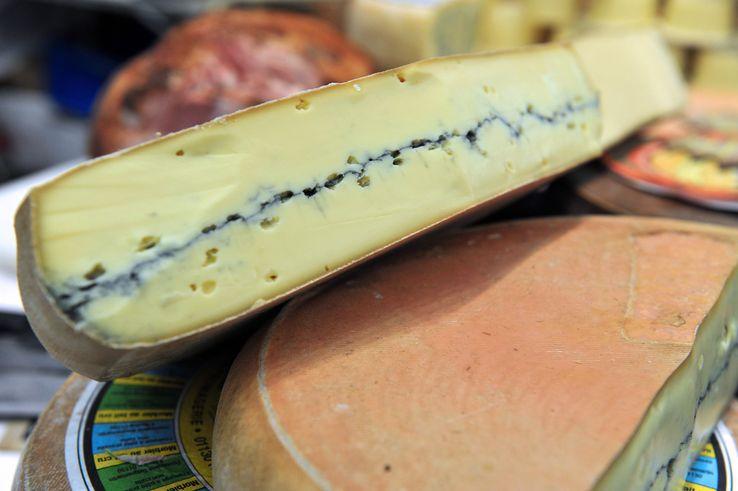 Le morbier fait partie des fromages responsables de la mort d'une dizaine de personnes en 2015 et 2016 suite à une contamination à la salmonelle.