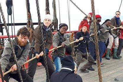 Ils ont moins de 30 ans et depuis trois mois ils ont embarqué à bord de l'Hermione