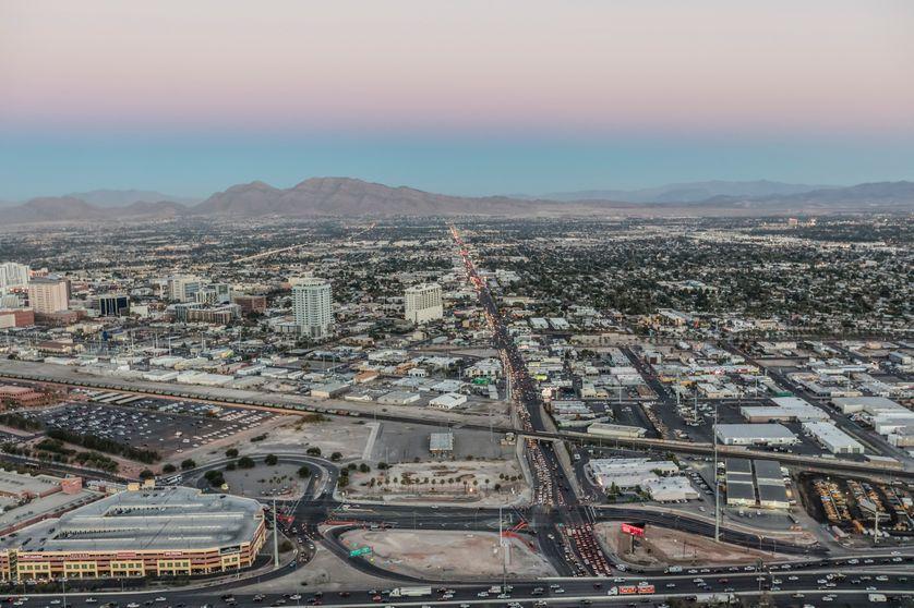 La puissance économique américaine se déploie, puisant dans chaque territoire les ressources de son développement, ici Las Vegas dans le Nevada