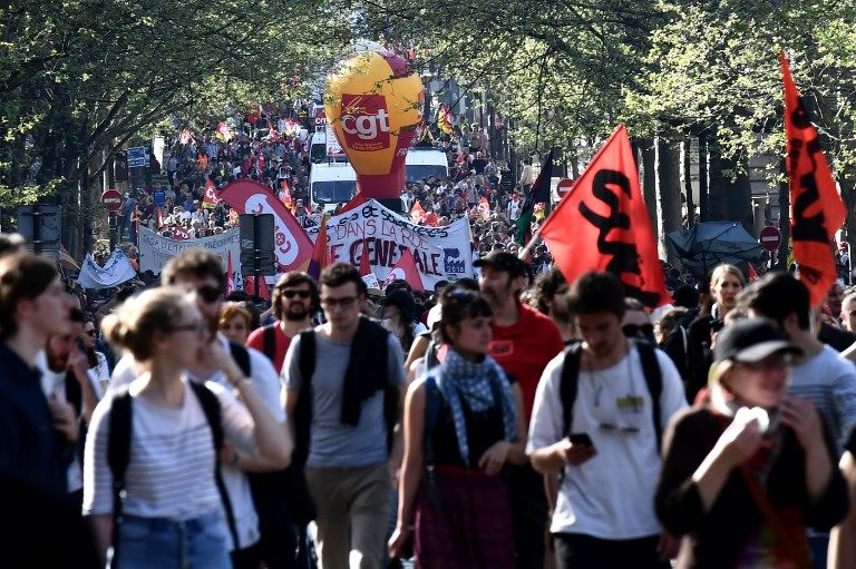 A Paris, le cabinet Occurrence, mandaté par un collectif de médias dont Radio France, a compté 15 300 manifestants. La CGT en a vu 50 000.