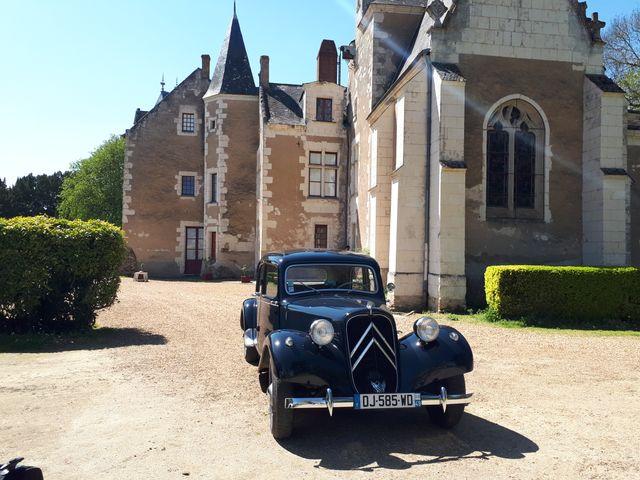 La traction 1955 prête à découvrir les petites routes de l'Anjou