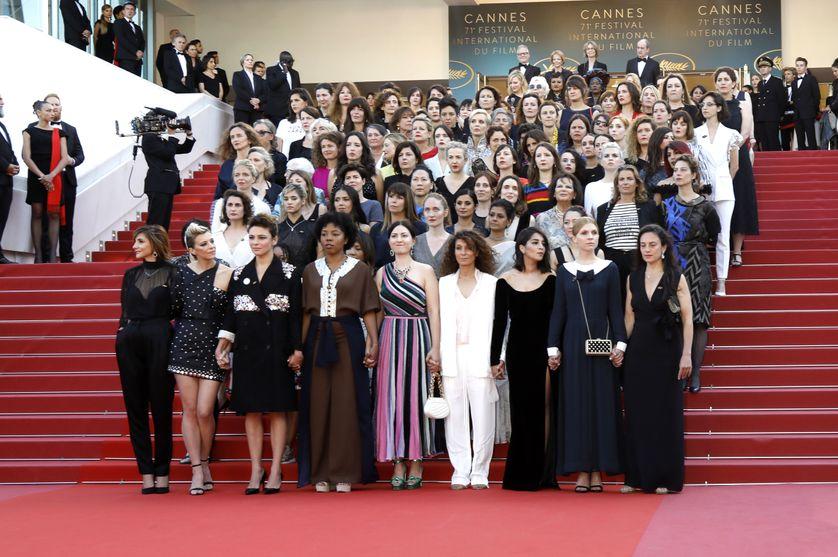 la montée des marches de 82 femmes