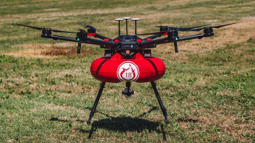 Drone d'intervention pour surveiller et empêcher les éventuelles reprises d'incendie