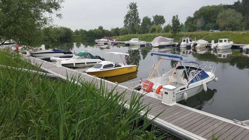 Le port de plaisance de Basse-Ham est situé près de Thionville. 90 bateaux peuvent y amarrer actuellement.