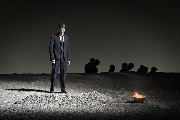 Orphée (Philippe Jaroussky) devant la tombe d'Eurydice