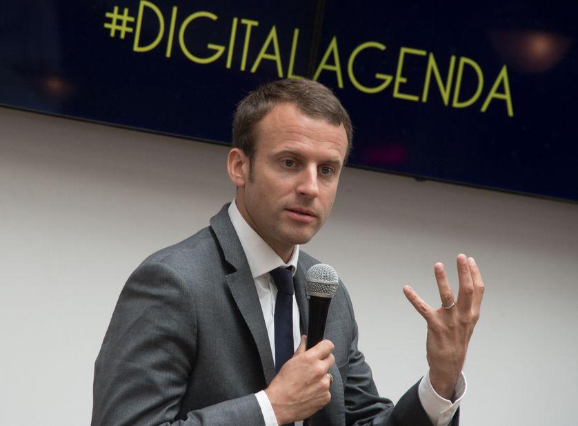 Emmanuel Macron faisant un discours à l'incubateur et accélérateur de start-up The Family
