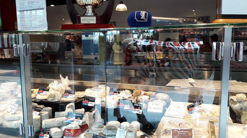 Dans le bar à fromages