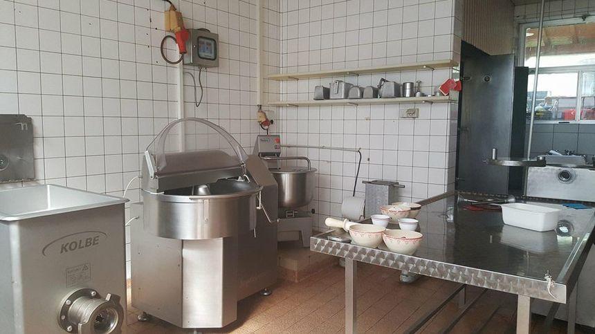 """Les produits sont réalisés sur place, dans l'arrière boutique. Voici une des """"cuisines""""."""