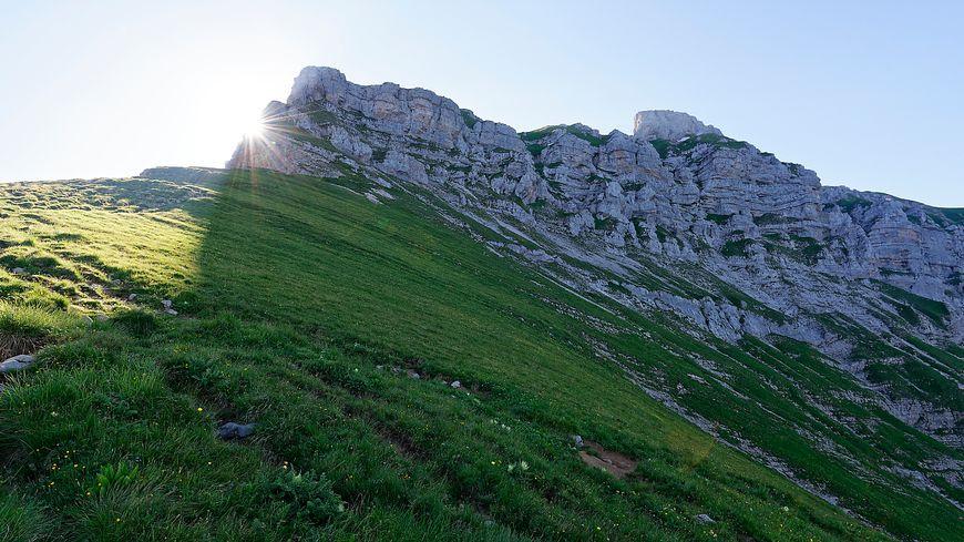 Prudence en randonnée, malgré la fonte de la neige les zones de moyenne montagne restent très glissants