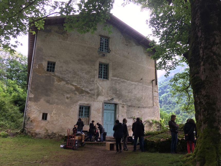 Lieu de tournage : une vieille et grande bâtisse sur la commune de Saint-Laurent-en-Royans.