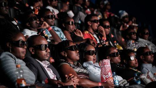 Épisode 1 : De la Côte d'Ivoire au Burkina-Faso : le public africain en quête de salles